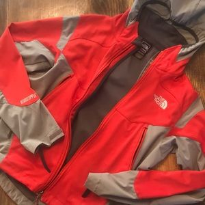Men's Red The Northface Windstopper